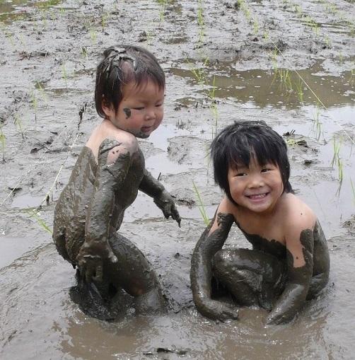子どもが子どもらしくいられる場所を探しての画像