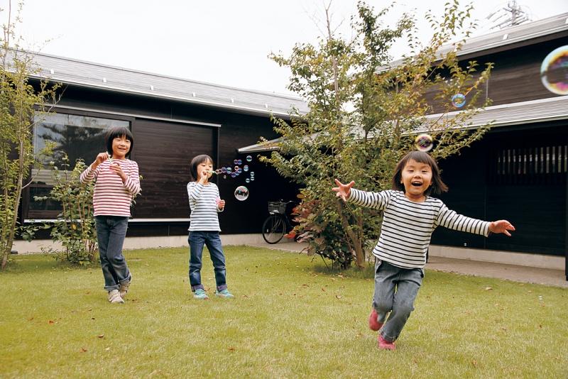 自然との距離が近く、娘たちものびのび楽しそうの画像